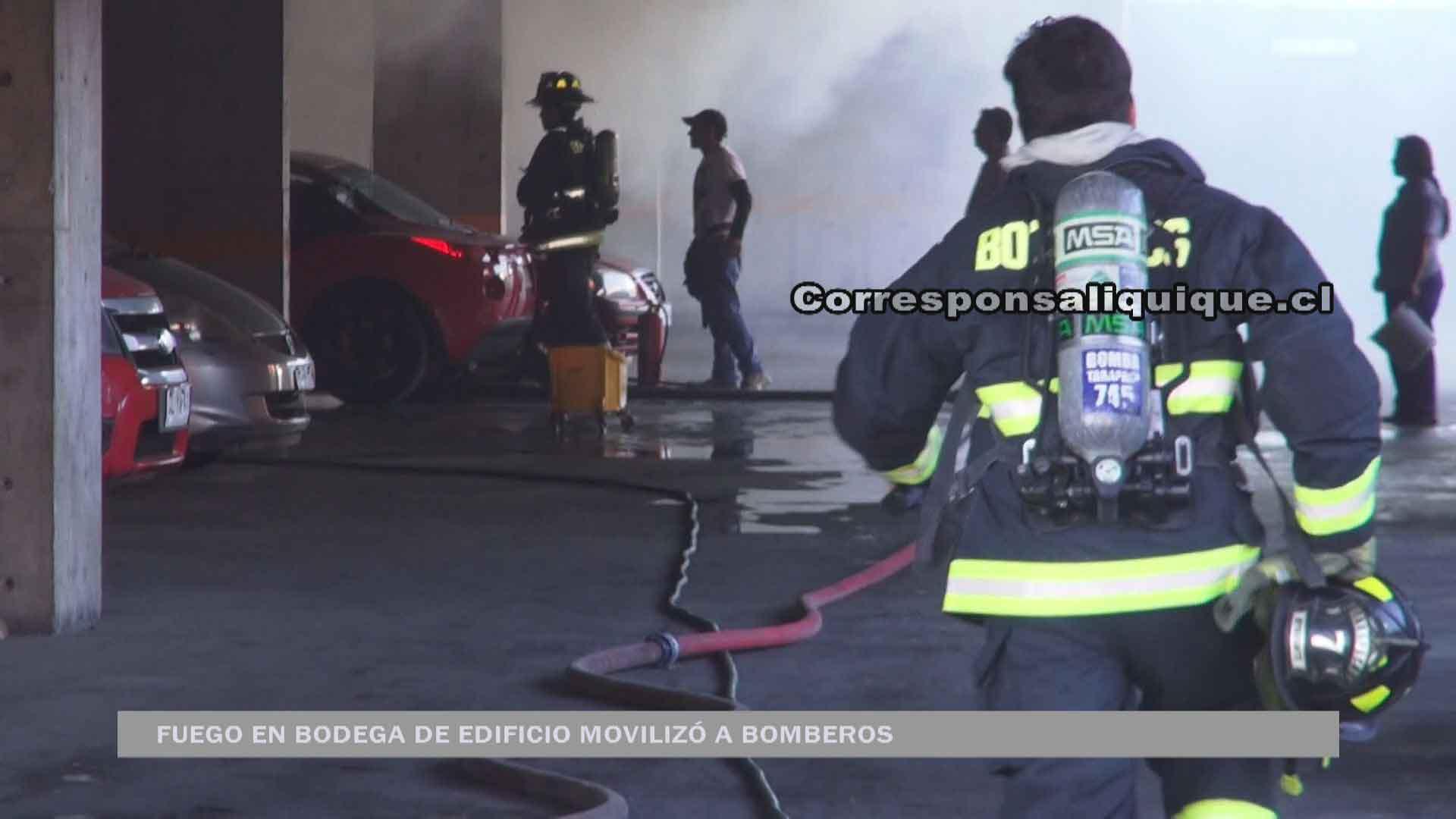 Photo of Fuego en bodega de edificio movilizó a Bomberos