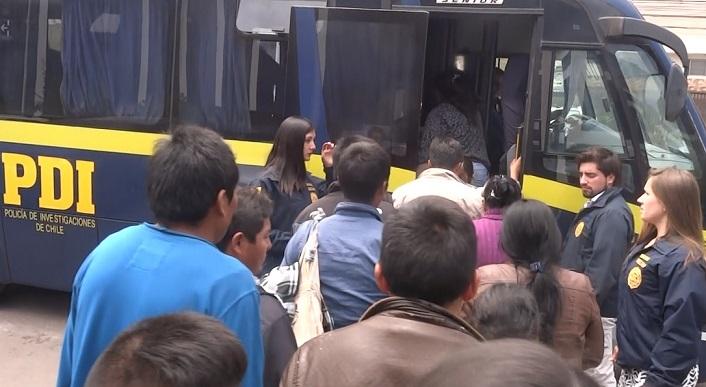 Photo of PDI materializa las expulsiones del país de 17 ciudadanos extranjeros