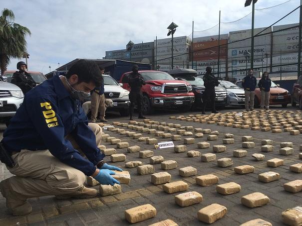 Photo of PDI da nuevo golpe al narcotráfico e incauta cerca de media tonelada de drogas