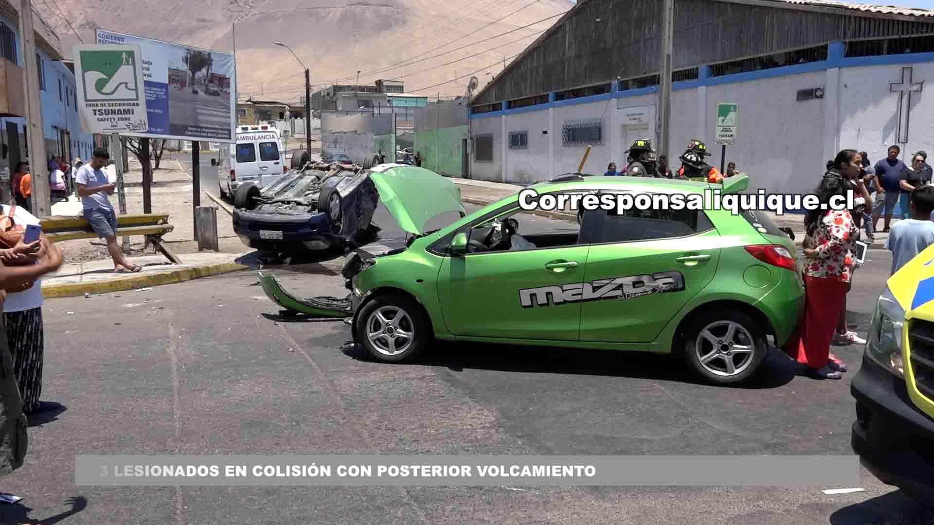 Photo of 3 lesionados en colisión con posterior volcamiento