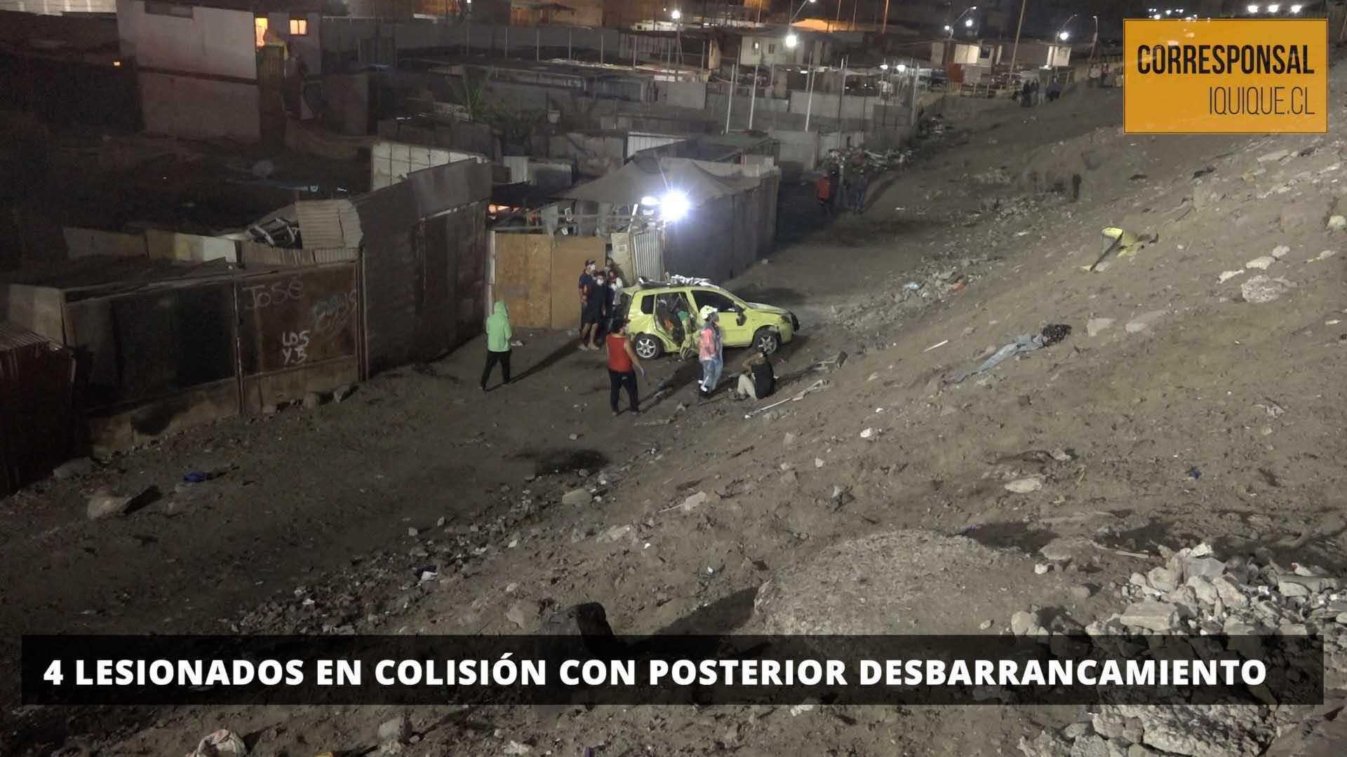 Photo of 4 lesionados en colisión con posterior desbarrancamiento