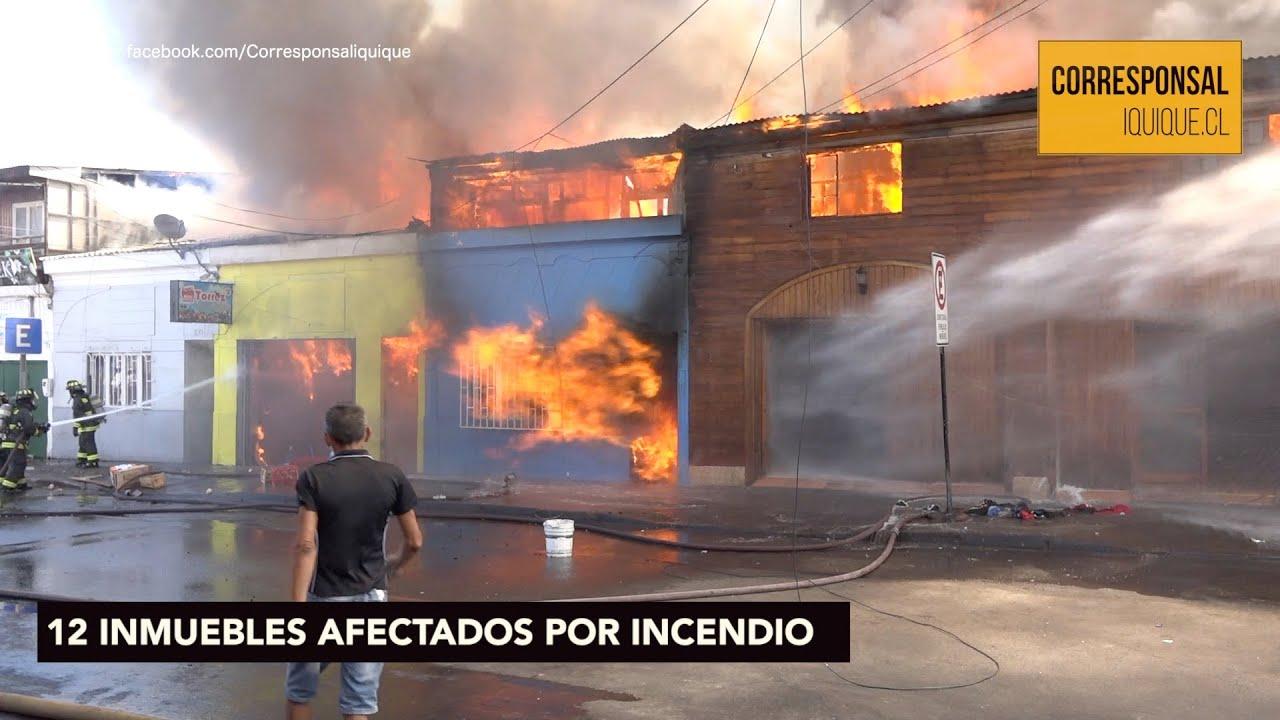 Incendio destruyó viviendas de madera en sector céntrico de Iquique